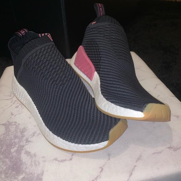 adidas Shoes - (BASICALLY BRAND NEW) Adidas Black/Rose Nmds